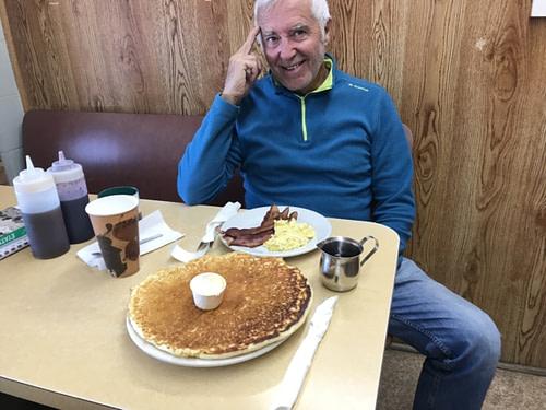 Burns Orégon l'étape du jour Un pancake XXXXXL....