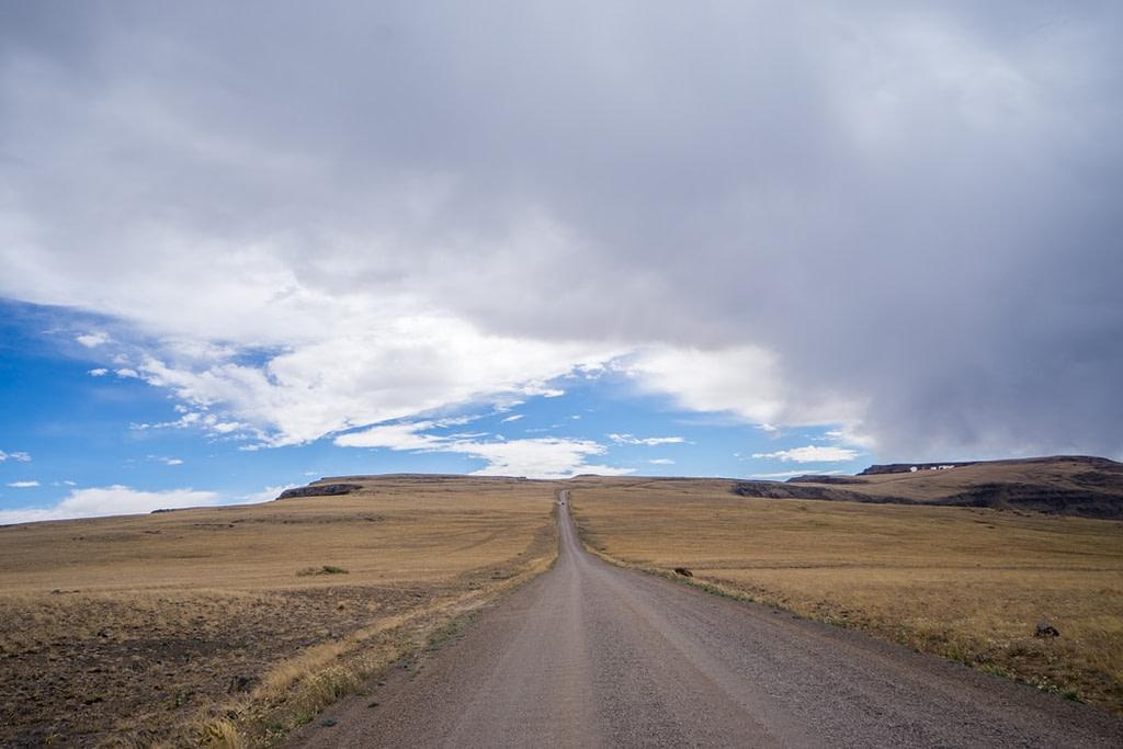Sur la route du désert d'Alvord