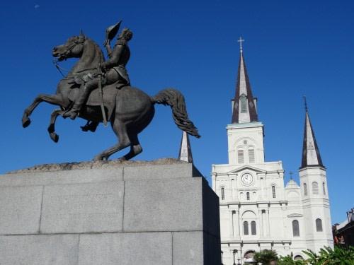Square Jackson la Cathédrale-Basilique de Saint-Louis et la statue équestre du général Andrew Jackson