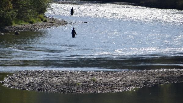 Et au milieu coule une rivière....