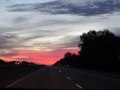 Levé de soleil sur la route de Memphis