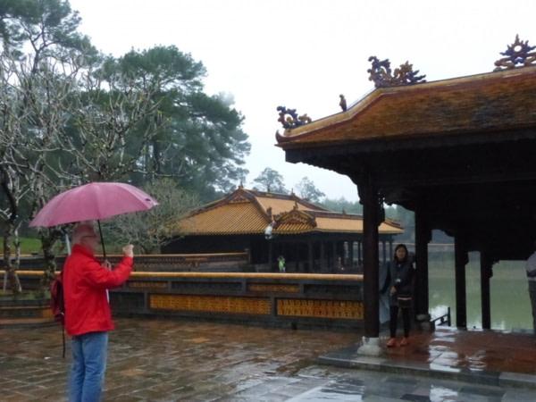 Tombeau De l'Empereur Tu Duc sous la pluie